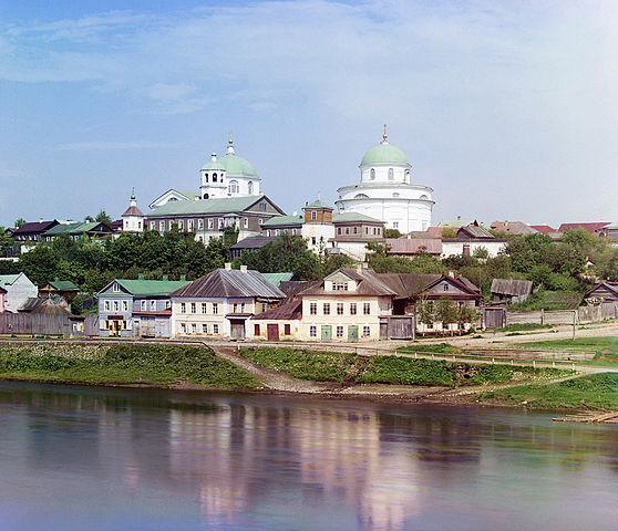 https://upload.wikimedia.org/wikipedia/commons/thumb/1/15/Oldtorzhok1.jpg/558px-Oldtorzhok1.jpg