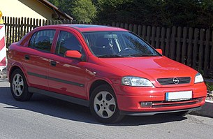 Opel Astra G 5-doors.JPG
