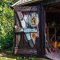 Oud scheefgezakt houten tuinschuurtje. Locatie, Tuinreservaat Jonkervallei 01.jpg