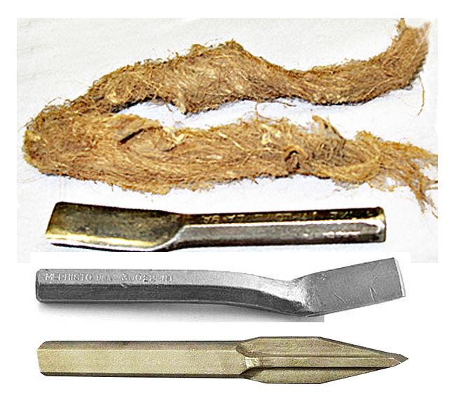 File:Outils pour joint au plomb sur tube de fonte..jpg