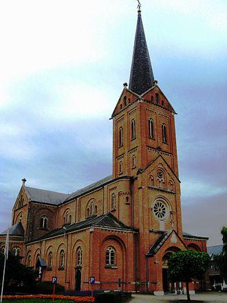 Paal, Belgium - Image: Paal Sint Jan de Doperkerk