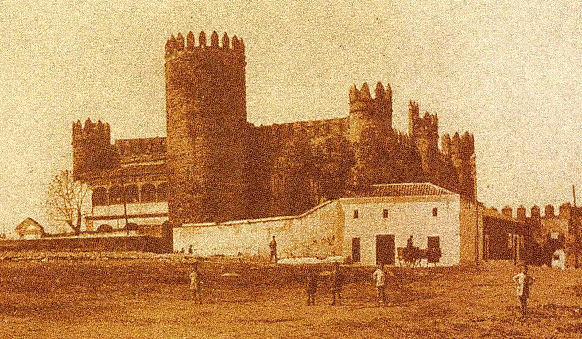 Resultado de imagen de castillo de zafra badajoz