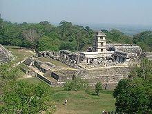 حضارة المايا 220px-Palenque_Ruins.jpg