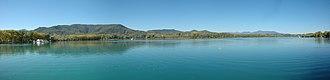 Lake of Banyoles - Image: Panoràmica estany de Banyoles