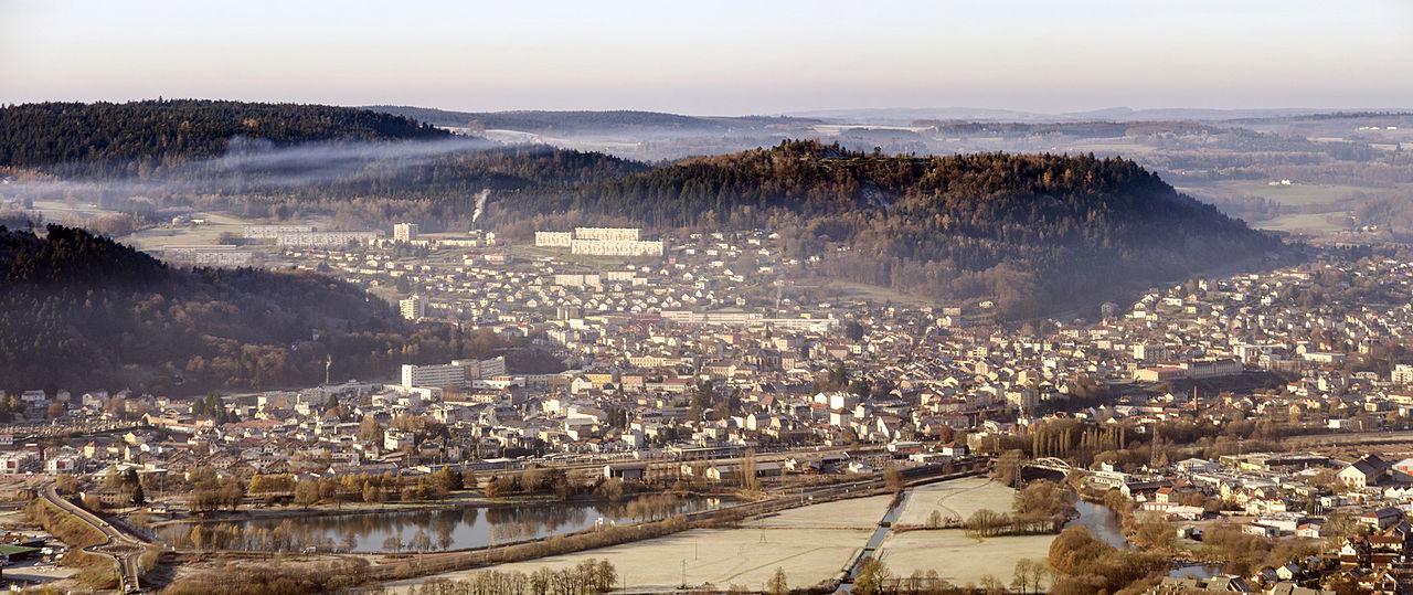 Bon Dimanche 1280px-Panorama_Remiremont