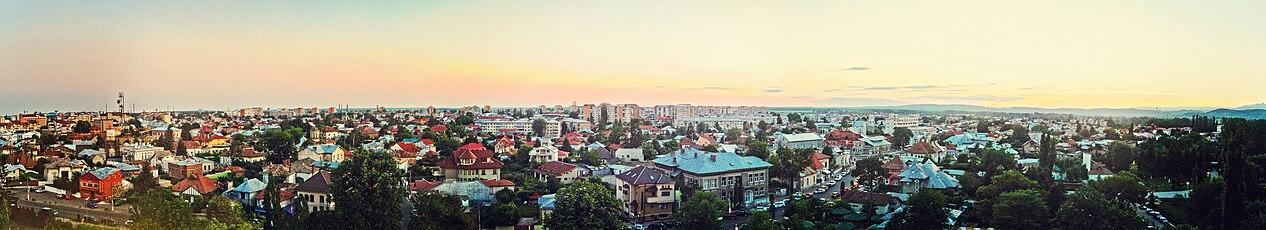 Panorama of Targoviste City.JPG