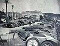 Parc fermé sur la promenade des anglais du Critérium Paris-Nice 1935.jpg