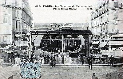 Paris - Les travaux du Metropolitain place Saint-Michel.jpg