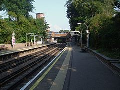 Park Royal stn look north.JPG