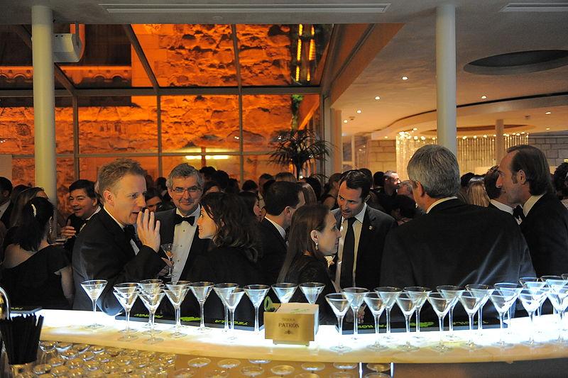 File:Patrón cocktail bar (5807919992).jpg