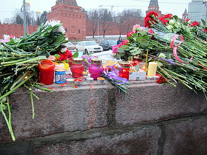 People came to the side of Boris Nemtsov's murder (2015-02-28; 39).JPG