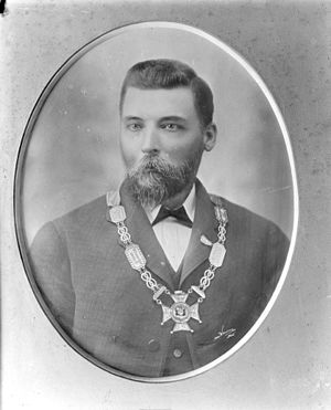 Peter Dignan (mayor) - Peter Dignan with mayoral chains