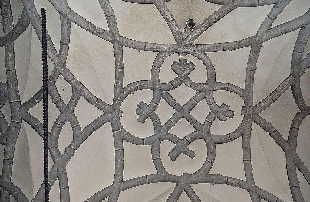 File:Pfarrkirche Feistritz an der Drau - vault of the gallery.jpg -  Wikimedia Commons