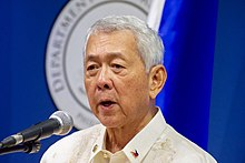 Philippines Foreign Secretary Yasay Addresses Reporters at a News Conference (28502880421).jpg