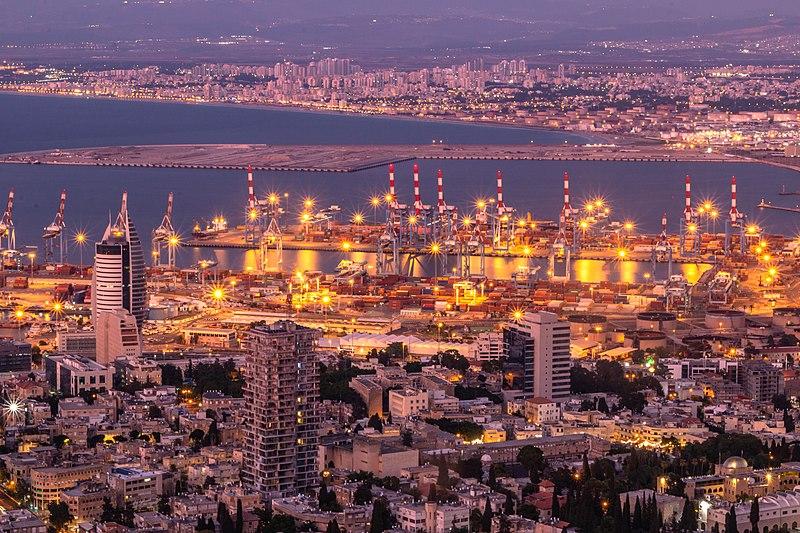 אורות חיפה בערב