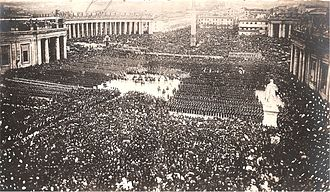 Pio IX Saint Peter Square 1870.jpg