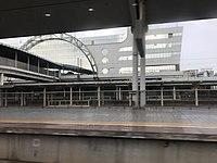 Platform of Guangzhou North Station 2.jpg