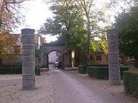 Poort Arentshof Brugge.jpg