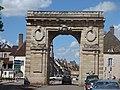 Porte Saint-Nicolas - Rue de Lorraine, Beaune (34837717774).jpg