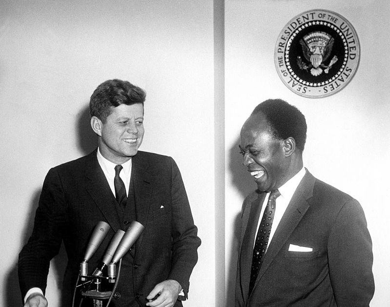 800px-President_John_F._Kennedy_Meets_with_the_President_of_the_Republic_of_Ghana%2C_Osagyefo_Dr._Kwame_Nkrumah_(JFKWHP-AR6409-B).jpg