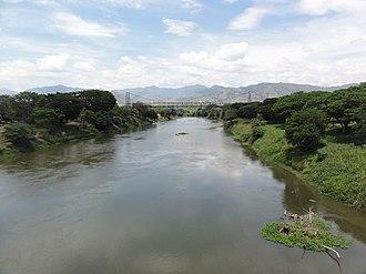 Cauca River - Image: Río Cauca. Puente Anacaro (3). Cartago Ansermanuevo, Valle, Colombia