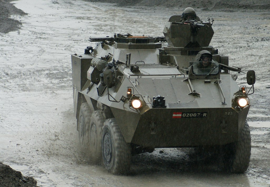 1024px-Radpanzer_Pandur_Austria_2.JPG