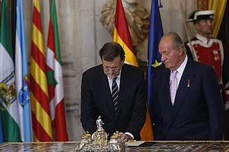 Government of Spain - ... and PM Rajoy countersigning the law.