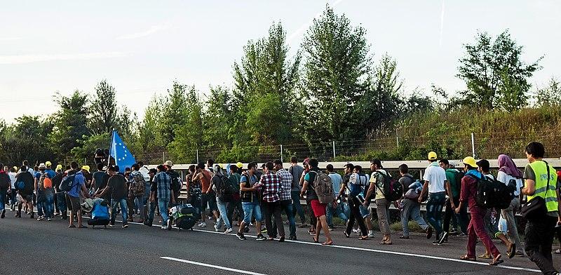 File:Refugee march Hungary 2015-09-04 02 B.jpg
