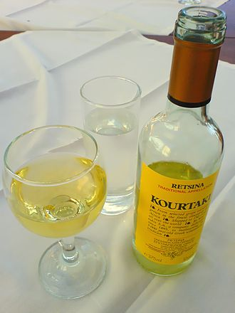 Retsina - A bottle of retsina from the Greek producer Kourtaki