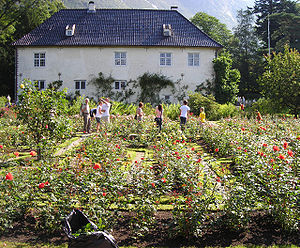 Barony Rosendal - The Manor viewed from the rose garden