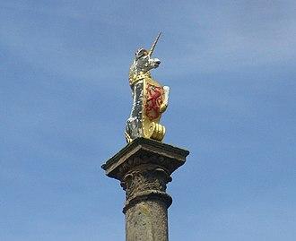 Mercat cross - Royal unicorn finial on the cross at Prestonpans