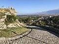 Rruga e ngjitjes për në kalanë e Rozafës në Shkodër.jpg