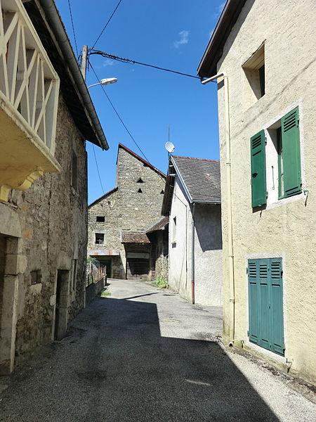Rue à Pugieu.
