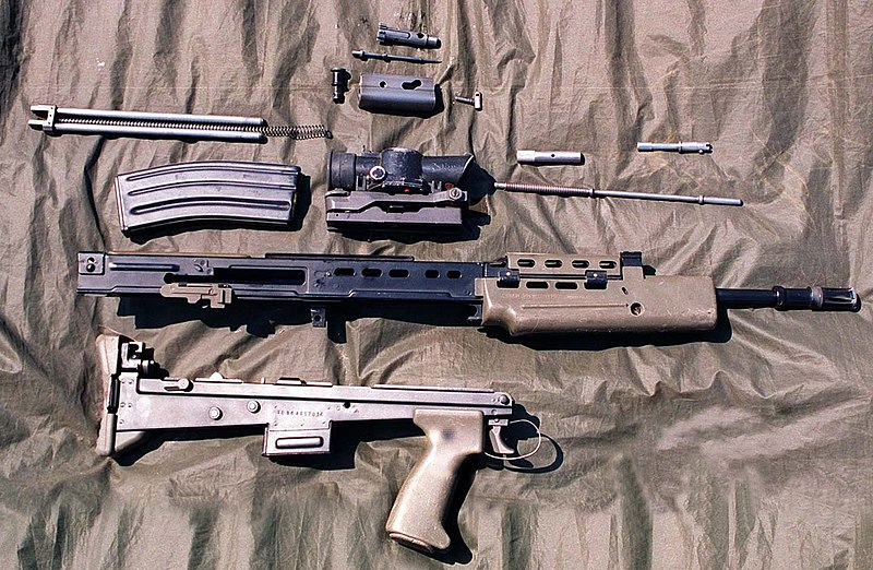800px SA 80 rifle stripped 1996