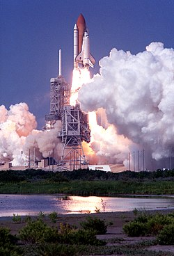STS-105 launch.jpg