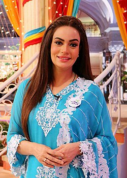 Sadia Imam at the set of Jago Pakistan Jago.jpg