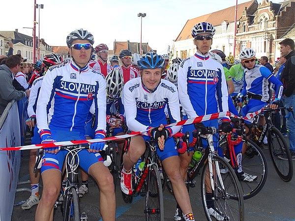 Saint-Amand-les-Eaux - Paris-Roubaix juniors, 12 avril 2015, départ (A58).JPG