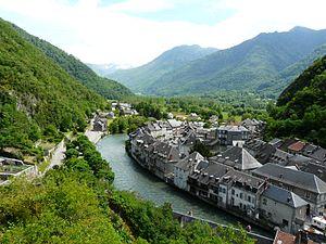 Saint-Béat - The Garonne river and the village of Saint-Béat