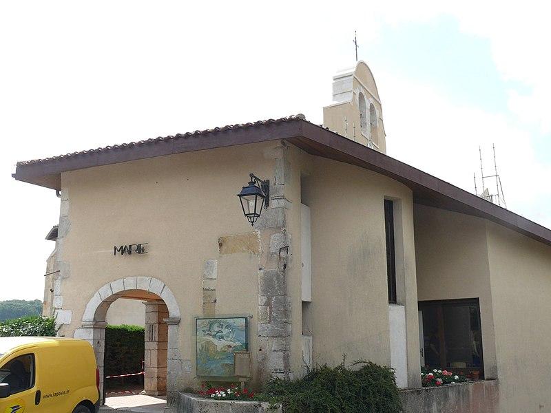 The townhall of Saint-Laurent-de-Gosse (Landes, Pyrénées-Atlantiques, France).