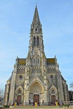 Sainte-Pazanne - Eglise Notre-Dame (1).jpg