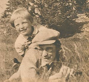 Gustav Sandgren - Gustav Sandgren with a son from his first marriage; early 1940s.