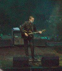 Santiago Auserón en concierto.jpg