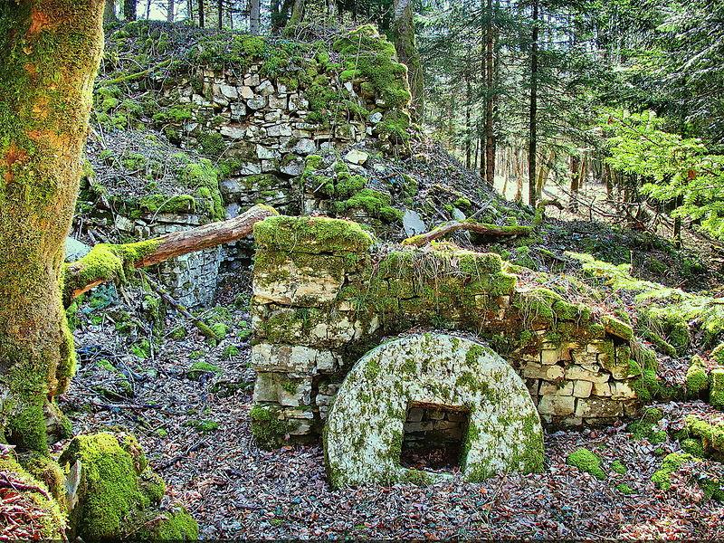 Ancien moulin sur la Leule