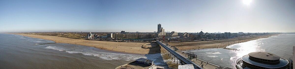 Scheveningen gezien vanaf de pier