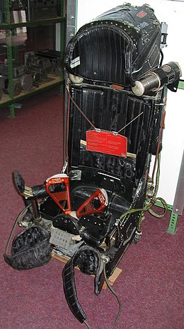 Ejection seat - Wikipedia