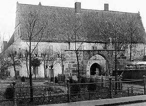 Schüttorf - Altena Castle's west side with gate arch, late 19th century