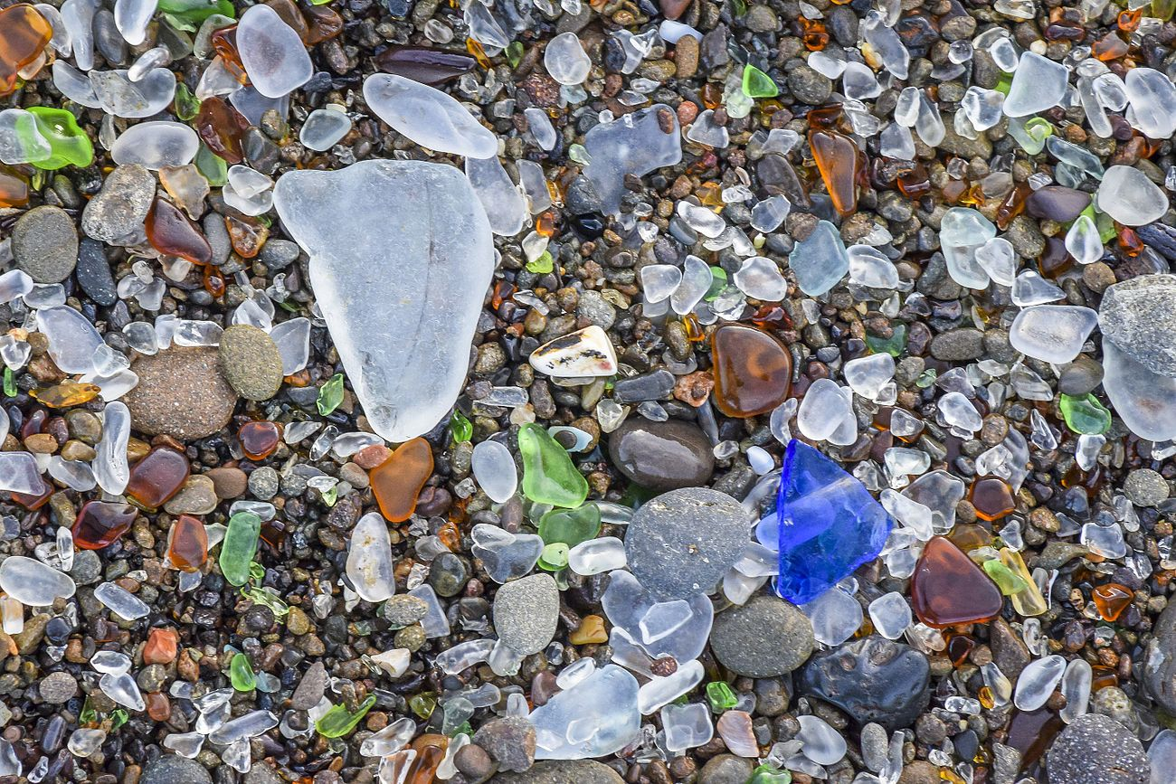 Photograph of glass pieces polished by the sea.