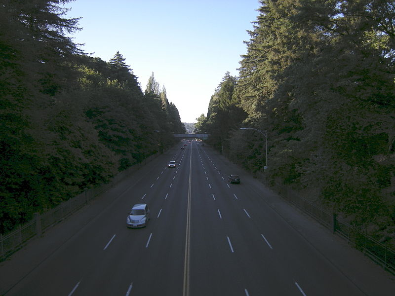 File:Seattle - Aurora Ave N in Woodland Park 01A.jpg