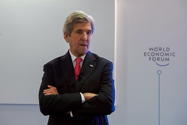 Secretary Kerry Addresses Young Business People at the World Economic Forum in Davos (31995844470).jpg