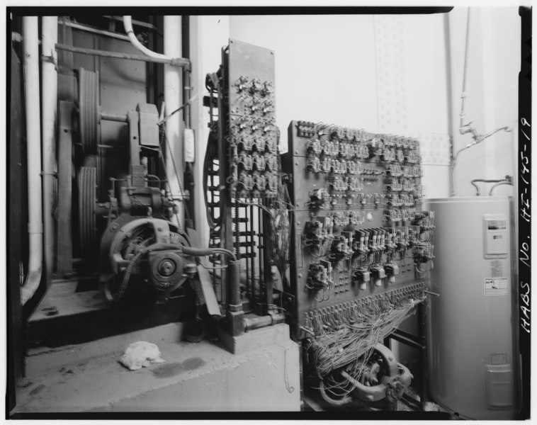 File:September 1993 INTERIOR VIEW OF ELEVATOR MACHINERY AND PANELS, 1ST FLOOR ELECTRIC ROOM, BUILDING S84 FACING NORTH - U.S. Naval Base, Pearl Harbor, Operations Building, Ford Island HABS HI,2-PEHA,18-19.tif